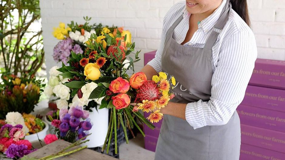How to start your own online flower delivery services