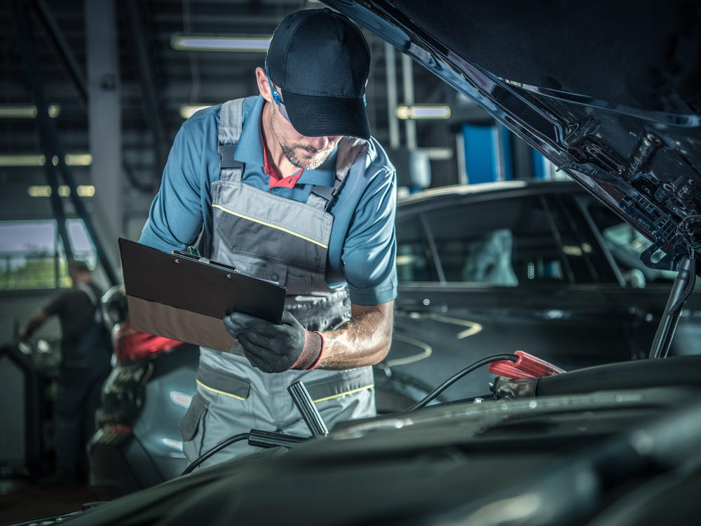 The right question to ask an auto mechanic before car services